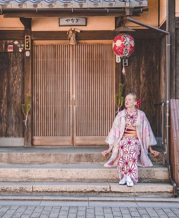 Exploring Kyoto in kimono👘 📷 @exploringrelen…