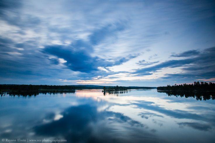 Lapland Midnight Sun, Paatsjoki river, Finnish Lapland. Photo by Rayann Elzein.