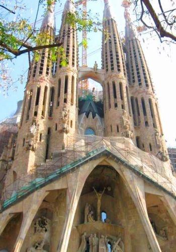 Barcelona, Spain: Cathedrals Buckets, Buckets Lists, Spain Gaudi, Sagrada Familia Barcelona, Amazing Places, Barcelona Spain, Bucket Lists, Beautiful Cathedrals, Catholic Cathedrals