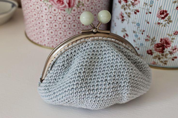 En kreativ verden: Hæklet pung med bøjle. DIY