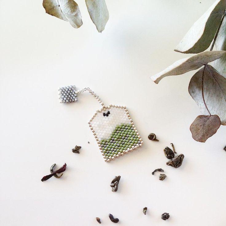 Sachet de thé en perles MIYUKI et si ça vous inspire retrouvez tout le matériel nécessaire sur https://la-petite-epicerie.fr/fr/720-perles-miyuki-brickstitch-peyote-acheter-pas-cher
