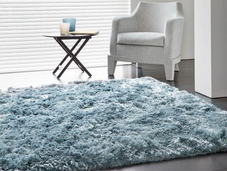 Tapis de prestige gris bleu uni shaggy en polyester tissé main par Ligne Pure