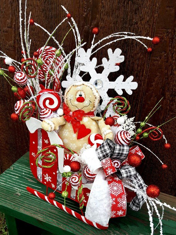 Christmas sleigh centerpiece, Christmas Gingerbread arrangement