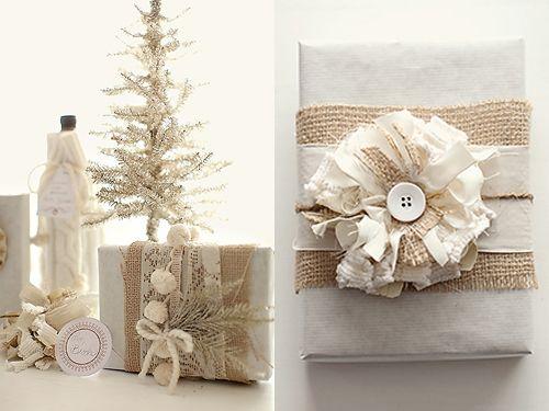 christmas gift wrapChristmas Gift Wraps, Holiday Gift, Burlap Christmas, Gift Wrapping, Fabrics Flower, Diy Gift, White Christmas, Handmade Gift, Wraps Ideas