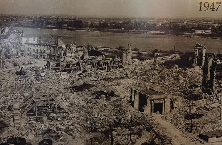 """Historia Warszawy na Twitterze: """"Wprawdzie Zamek Królewski był nie raz na HW, jednak zdjęcia gdzie jest dotknięty Niemiecka, barbarzyńska ręką, zawsze łapią za serce. 1947 https://t.co/1IgRZ0yMVk"""""""