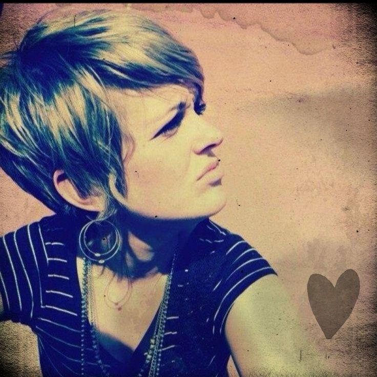 "Shaggy pixie cut with a ""piecey"" neckline. This is my siiiissssssttttaaaaa!!!  Love this one Zan!!"