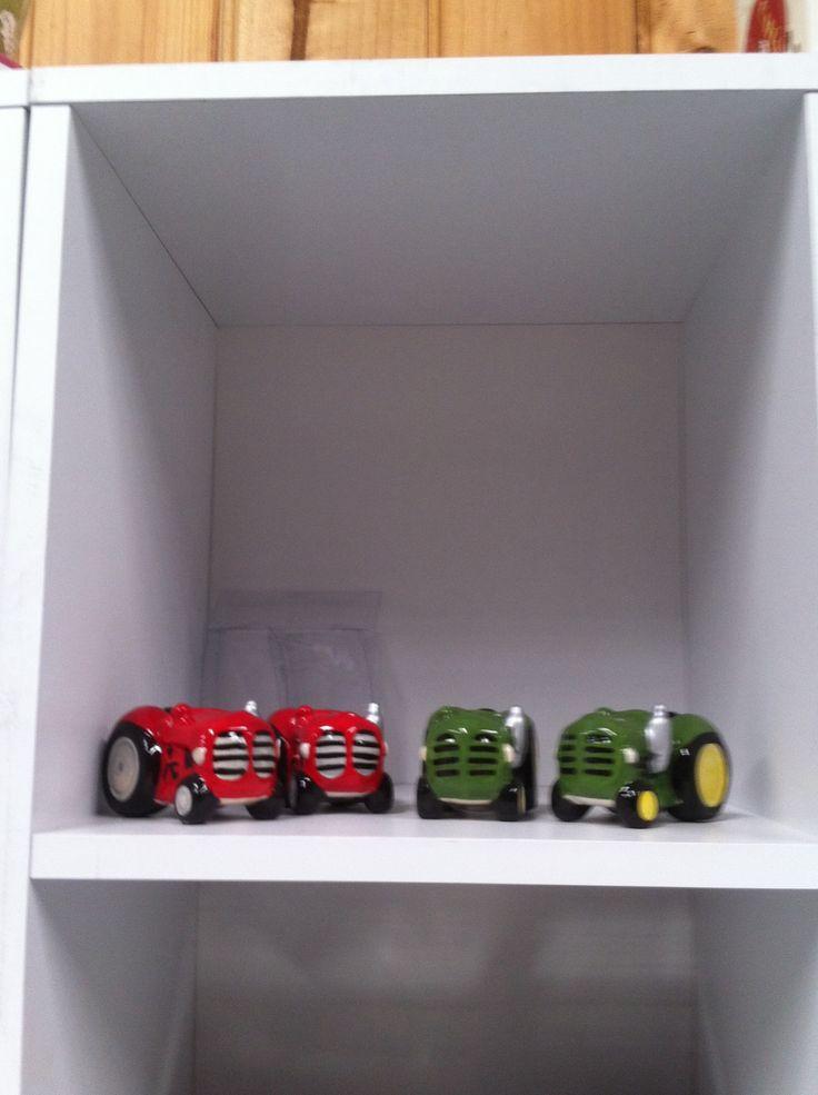 Tractor salt & pepper shakers