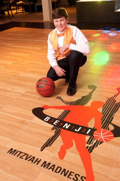 March_Madness_Basketball_Themed_Bar_Mitzvah_mitzvahmanphoto_occasionsonline_021