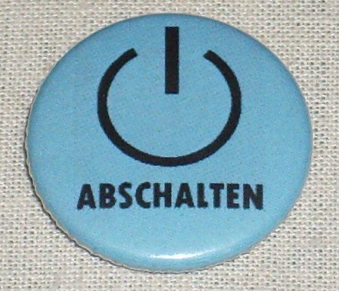 Button - ABSCHALTEN - schwarz/blau von MAD IN BERLIN auf DaWanda.com
