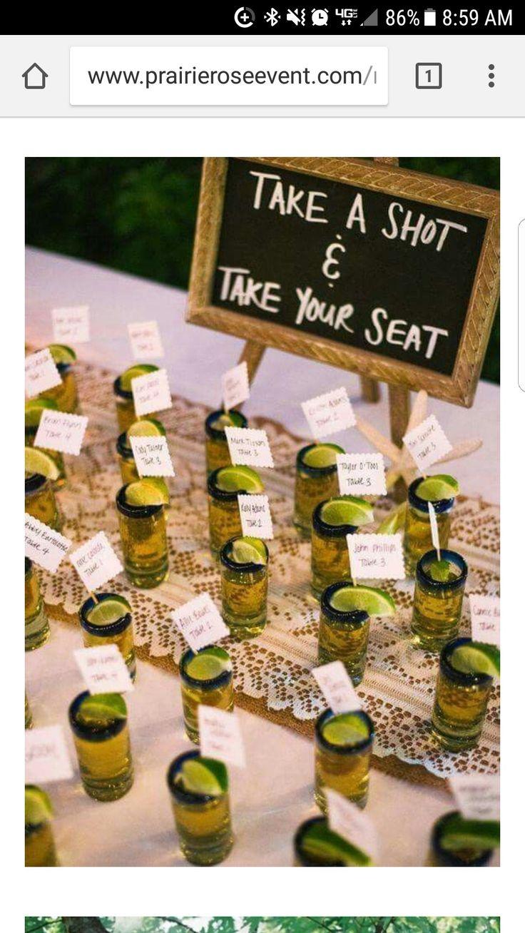 Sitzplatz Hochzeit, nimm einen Shot und wähle deinen Sitzplatz