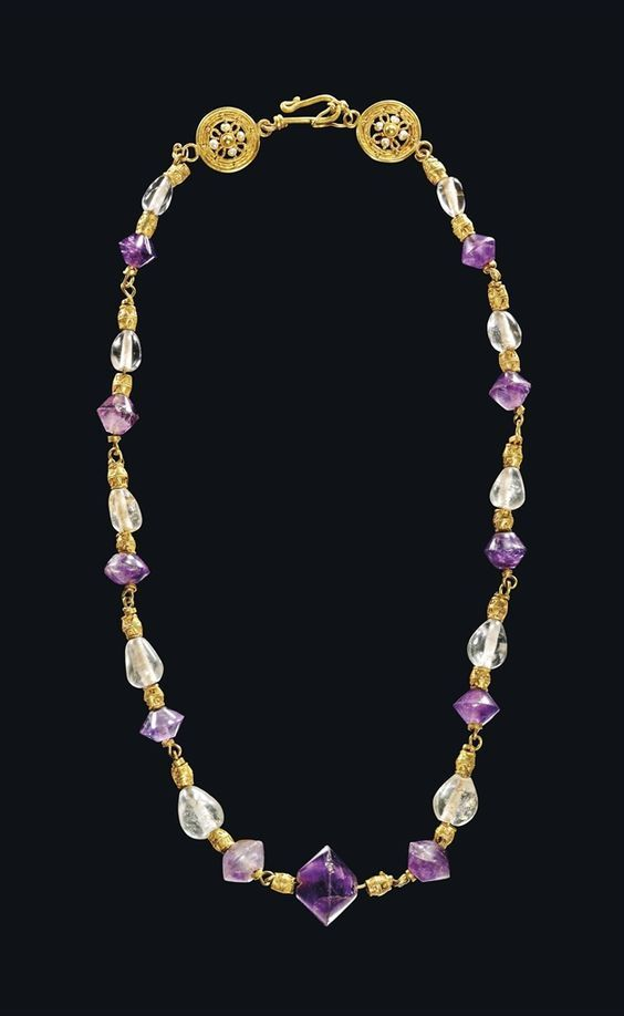 Byzantine amethyst, rock crystal, and gold necklace, dated to the 6th to 7th centuries CE.
