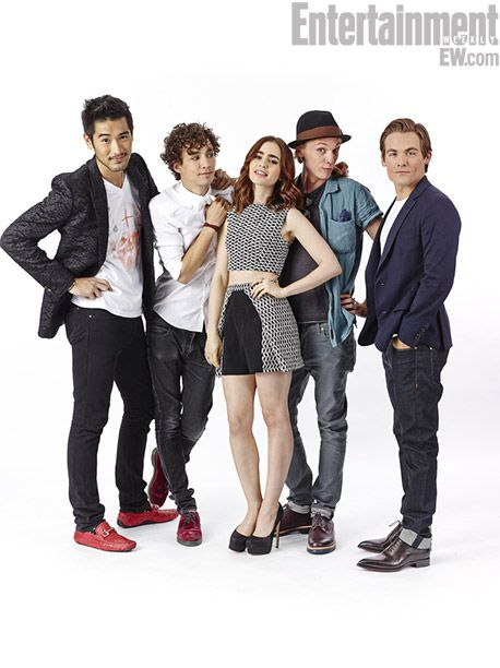 Godfrey Gao, Robert Sheehan, Lily Collins, Jamie Campbell Bower, Kevin Zegers - The Mortal Instruments: City of Bones