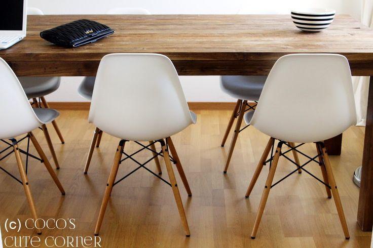 Esszimmer mit Teak Tisch und Eames Stühlen / Dining Room Teak Table Eames