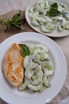 Ensalada cremosa de pepino www.pizcadesabor.com