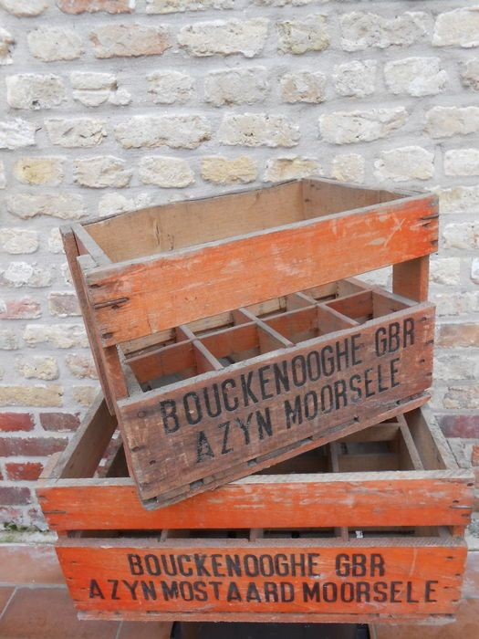 Twee oude houten kratten / kisten van 'Bouckenooghe GBR', Azijn - Mostaard, Moorsele, ca.1950, België
