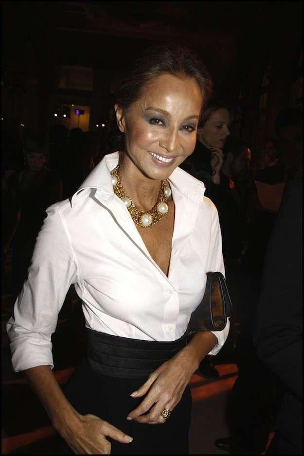 El estilo único de Isabel Preysler: fotos de los looks - Isabel Preysler con camisa blanca