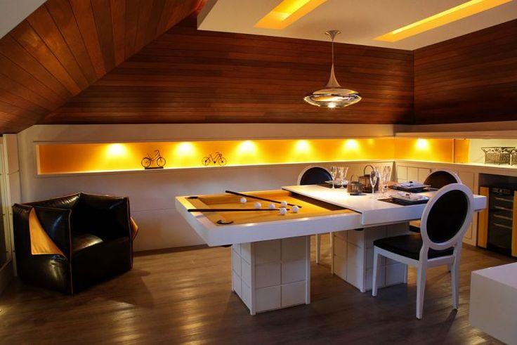 Sala de Games projetada por Renata Mueller para a 18ª edição da Casa Cor Paraná