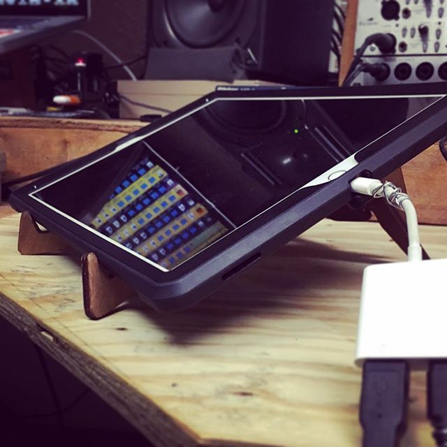#Repost @marv1977 ・・・ Until I get my custom made case for my iPad Pro done, I'm using the #cremacaffeshop stand by @cremacaffeshop. It's getting the job done. They got stands for everything. Check em out! ・・・ KOLIBRI stand http://cremacaffedesign.com/kolibri/ . . . . . #woodwork#lasercutting  #producerville #producerlife #beatmakers #logicprox #flstudio #Ableton #mpc #protools #drumloops #royaltyfree #loops #chords #hiphop #rap #chh #marvelousbreaks #beatmaker2 #oxygen8 #iosmusic…