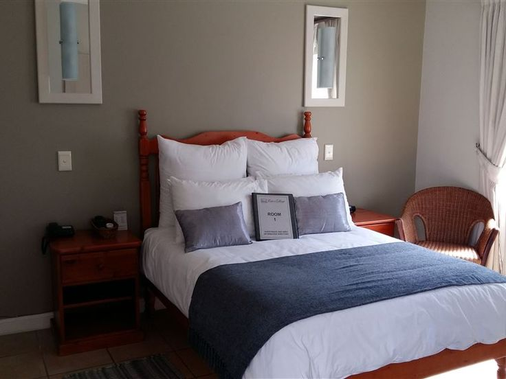 Liza's Cottage Guesthouse - We look forward in welcoming you at Liza's Cottage Guest House, where we offer you fine, high quality accommodation in Hatfield, Pretoria. We are within easy reach of main access routes, hospitals, embassies, ... #weekendgetaways #pretoria #southafrica