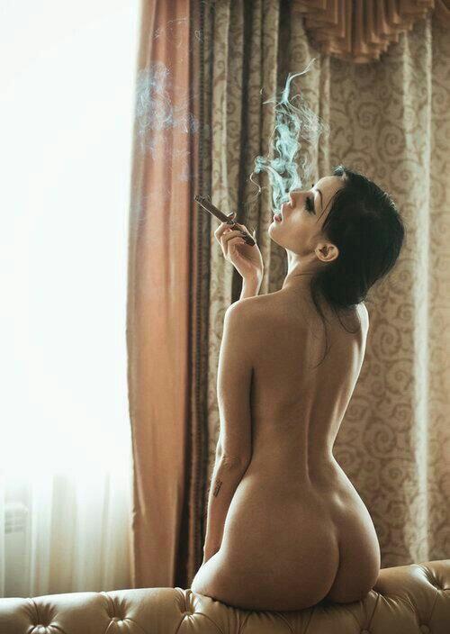 Beautiful Nude cigar smoking