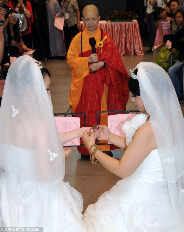 wedding layout Lesbian myspace