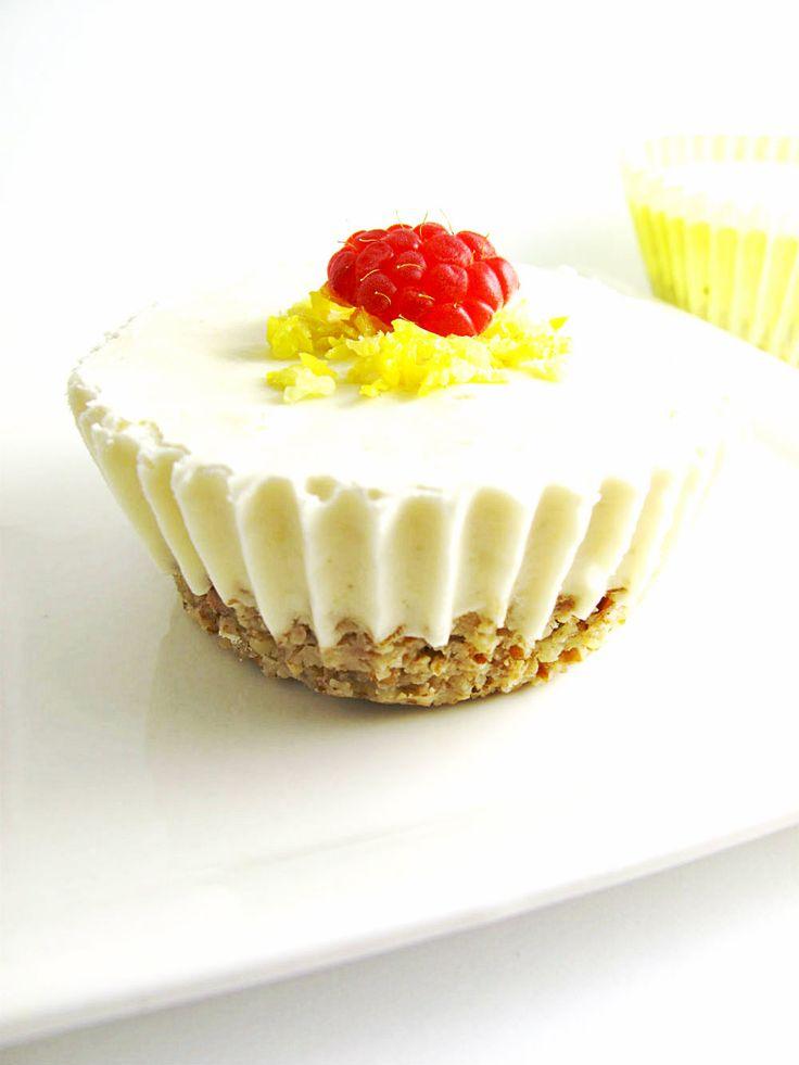 raw food recipe lemon bars dessert. http://hintjewelry.blogspot.jp/2013/05/raw-food-recipe-lemon-dream-bars.html?m=1