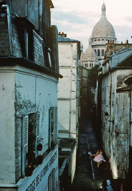 Sacre Couer, Paris: Parisians Walkways, Paris Photography, Paris Honeymoons, Paris France, Paris Street, Graphics Design, Places, Old Building, Montmartre Paris