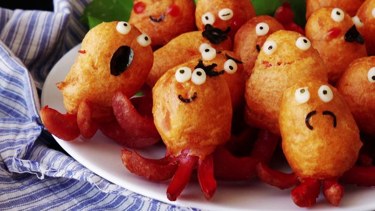 How to make Mini Pancake And Sausage Octopus Creatures. Ingredients: 16 mini sausages, 100 g pancake mix, 50 g milk, 40 g ketchup, oil for frying, mayonnaise, cheese slices, nori