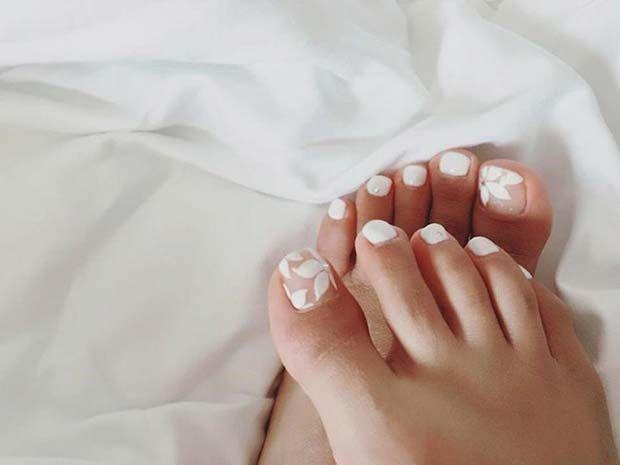 White Floral Nail Art for a Wedding Pedicure Idea for Brides #Pedicure