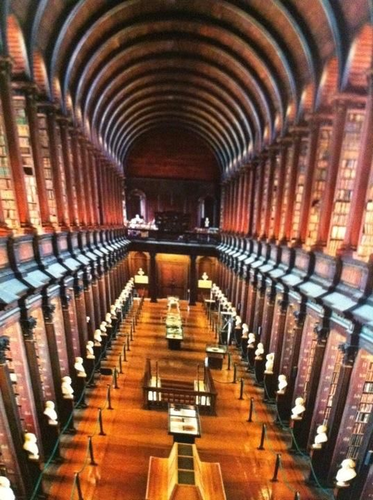 Trinity College Old Library & The Book of Kells Exhibition - Beautiful trinity college library #Dublin