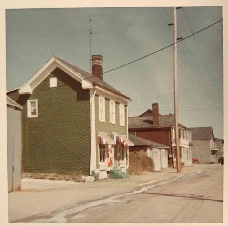 Second street Kings barber shop 1960s
