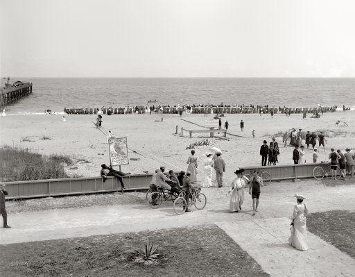 Palm Beach, Gold Coast: 1905. Love the fashion!