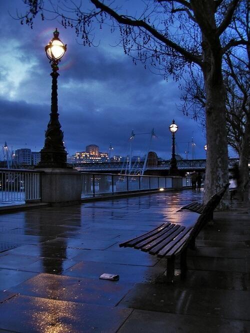 雨の夜のロンドン - イギリス