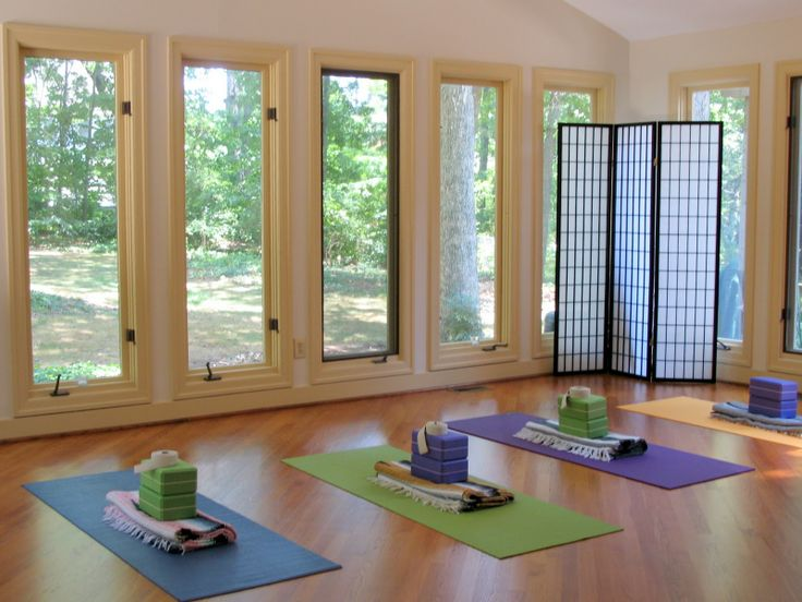 Sunroom yoga studio classes meditation space for Yoga room design ideas