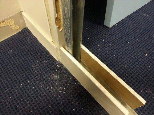 Les 25 meilleures id es de la cat gorie cloison placo sur pinterest verrier - Comment insonoriser une porte ...