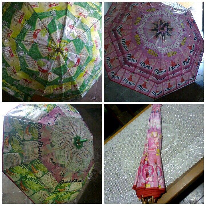 Payung dari plastik daur ulang sabun pembersih