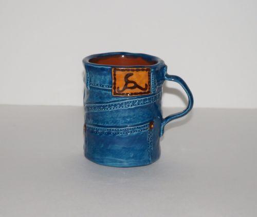 Buz-Lapham-Designs-Pacific-Grove-CA-Blue-Denim-Jeans-Signed-USA-Coffee-Mug-Cup