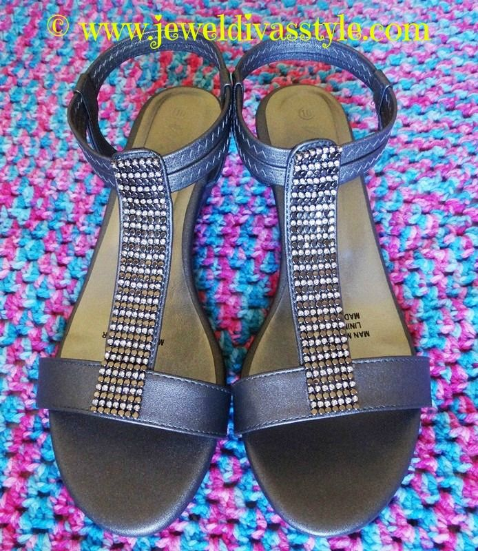 JDS - Spendless Shoes SILVER SANDALS - http://jeweldivasstyle.com/last-of-my-summer-shoe-bargains-and-how-driving-wrecked-my-sandals/