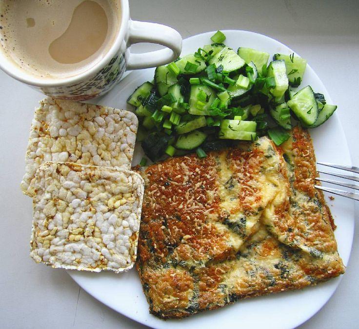 """341 Likes, 10 Comments - Беременность✨Любовь💞Фитнес🍑 (@nataliamit) on Instagram: """"Доброе утро - это когда завтрак в два часа дня🍳🌱🍴 Сезон зелени и овощей открыт. Уже не хочется…"""""""