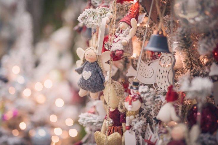 Vianoce 2016 Najmilšie Vianoce v kvetinárstve Kvety Silvia. Príďte si k nám pohladiť dušu a nadýchať sa vianočnej atmosféry. Máme pre Vás množstvo krásnych vianočných ozdôb, sviečok, stromčekov a aranžmánov z našej dielne.