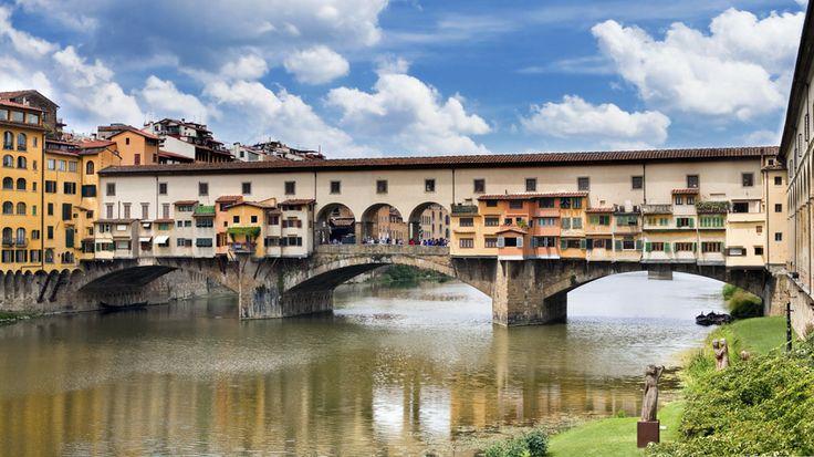Ponte Vecchion kuuluisa silta keskellä Firenzeä. #Florence #Firenze #PonteVecchio #Italy #Italia #Toscana #Tuscany