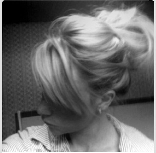 Thick side swept bang. Want this!