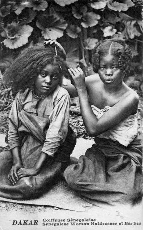 """Coiffeuse Sénegalaise"" Dakar. Vintage postcard; post stamped 1918."