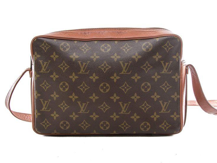 Authentic Louis Vuitton Monogram Vintage Sac Bandouliere Shoulder Bag