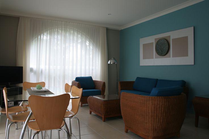 Korora Bay Village Resort makeover - lounge / dining