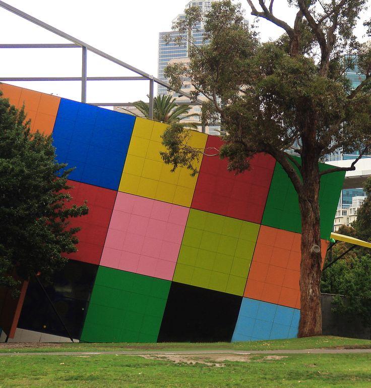Melbourne museum (fjh)