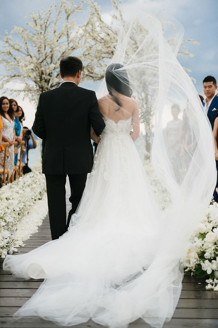 Long Tulle Cathedral Veil Originally From Sydney But Based In New York Jeremy