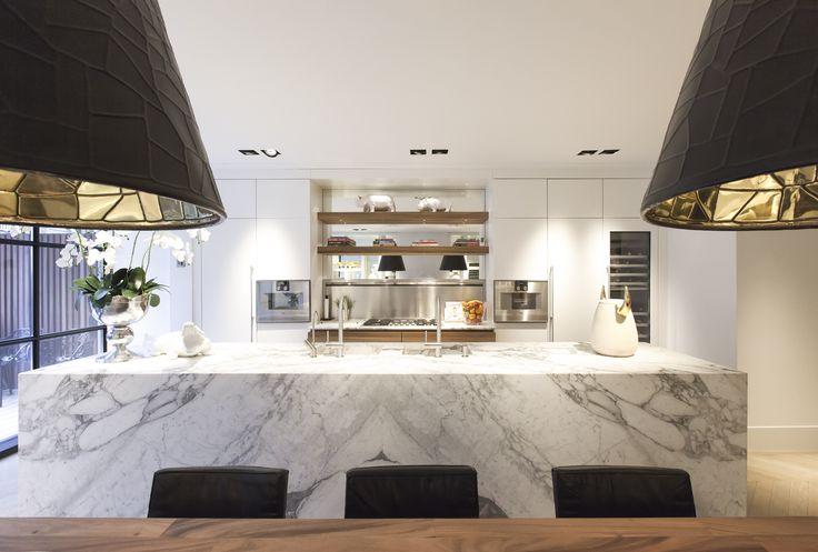 Kitchen design | Marble | A Studio Jan des Bouvrie Project in Amsterdam. #jandesbouvrie #studiojandesbouvrie #kitchen #kitchendesign