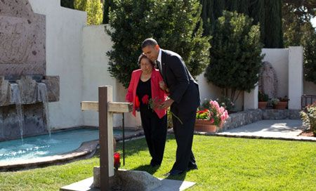 Obama-with-Helen-Chavez