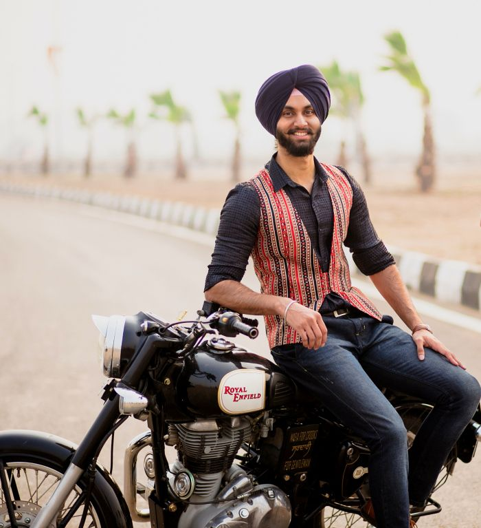 Hello readers! We are here with our final post from our recent collaboration with Sahiba.J.Singh, 'The Sikh Stylist & Fashion Designer', And Simran Oberoi's PhotozAapki. This collaboration has ...